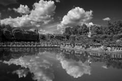 Allo specchio - In the mirror (Immacolata Giordano) Tags: florence tuscany firenze toscana boboli limonaia giardinodiboboli nikond7000