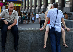 Trio (Che-burashka) Tags: street people love 50mm couple candid streetphotography ukraine romance kiev  easterneurope spn spnp kreschatik  streetphotographynow streetphotographynowproject