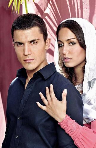 """Álex González e Hiba Abouk en """"El Príncipe"""""""