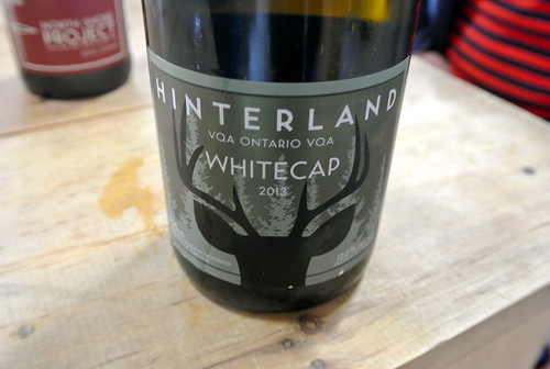 hinter whitecap