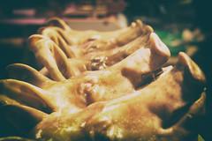 Ephemere 132 (lunecoree) Tags: canon eos 30d helios jeju coree korea marche market cochon tete pig head