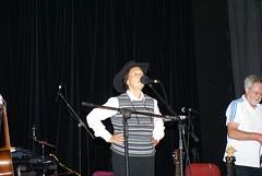Julie Felix sound checks Harpenden Folk Festival  27.08.16 (Ralph Stephenson) Tags: julie felix sound checks harpenden folk world music festival 270816 herts uk