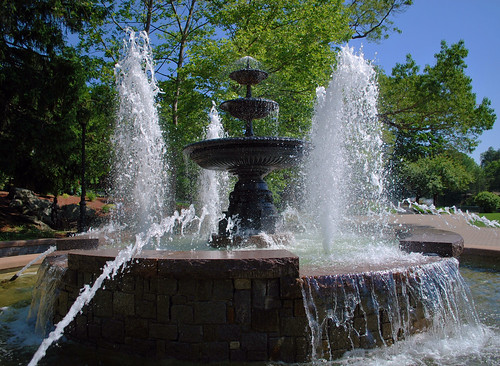Mohegan Park's Water Fountain