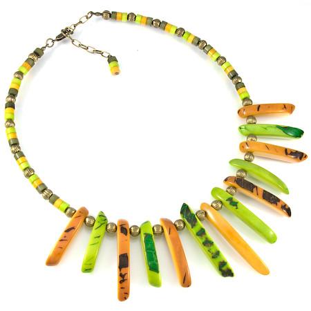 Hermosa bijuteria elaborada por nuestra amiga Julia- Ya conoces lo que es la Tagua? 5885802914_9a7252cc81