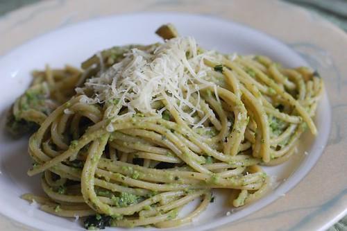 Pea-Mint pesto with spagetti