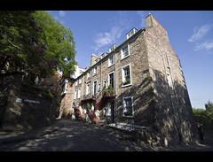 Ramsay Garden (_K5A1399) ([Rossco]:[www.rgstrachan.com]) Tags: castle garden scotland edinburgh sigma historic cobbles 1020 ramsay uwa