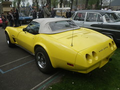 Corvette jaune (gueguette80 ... non voyant pour une dure indte) Tags: old cars autos avril picardie 2014 somme anciennes harbonnieres