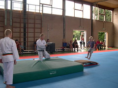 "zomerspelen 2013 karate clinic • <a style=""font-size:0.8em;"" href=""http://www.flickr.com/photos/125345099@N08/14405910282/"" target=""_blank"">View on Flickr</a>"