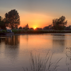 Sunset @ Poldervaart (DolliaSH) Tags: light sunset sun holland color sol colors sunrise canon square photography lights soleil photo zonsondergang europe tramonto foto sonnenuntergang photos nederland thenetherlands sole sonne coucherdesoleil puestadelsol zuidholland 1755 zakat southholland 50d canonefs1755mmf28isusm canoneos50d solntse 100commentgroup dollias bestcapturesaoi doublyniceshot dolliash elitegalleryaoi mygearandme dolliasheombar