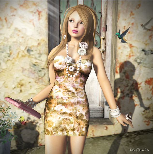 CH1C - Peqe - Flowery Dress - Antique (Close)
