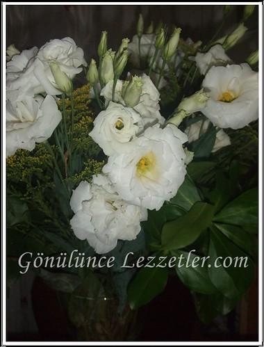 sevilden gelen çiçek