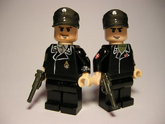Waffen SS panzer crew LEGO (MR. Jens) Tags: world two war lego wwii ss crew german ww2 panzer luger waffen p08