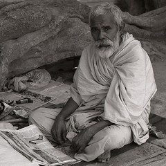Old man (near Bikaner, Rajasthan.) (ndnbrunei) Tags: blackandwhite bw india 120 tlr film mediumformat bn apx100 mf ilford bikaner rajasthan rolleiflex28f 500x500 classicblackwhite analoguephotography epson4990scanner rolleigallery ndnbrunei 50yearoldcamera