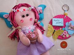 Fada Menina de recado (mariafloratelier2) Tags: doll felt fairy feltro boneca bonecadefeltro fairyfelt