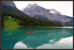 Canoe Too (Carplips) Tags: blue red canada mountains green bc canoe yohonationalpark candianrockies