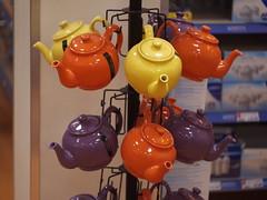 Teapot tree (Rusty Marvin - JohnWoracker.com) Tags: orange yellow tea teapot teapots apr22 scapr scavchal scapr22