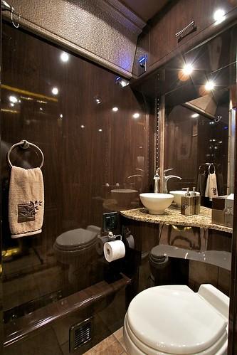 Outlaw - Bathroom
