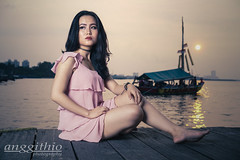Hate To Wait (anggithioraitama) Tags: woman womaninsquare womaninframe model modelling modeling jakarta sunset view models mood moody