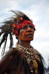Goroka Show 07 (travelationship) Tags: travel travelationship travelphotography papuanewguinea png gorokashow goroka easternhighlandsprovince singsing tribe culturalshow