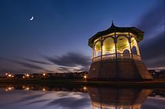 Oak Bluffs Marthas Vinyard (Lee Sie) Tags: sunset sky moon reflection water night puddle marthasvinyard angle wide clear jaws gazeebo clearnight regionwide thegoodshiplolipop