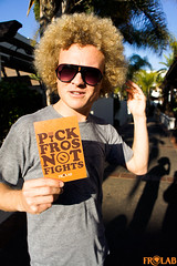 Pick Fros Not Fights!™ (FROLAB) Tags: hair peace natural afro social pick strictly fros frolab pickfrosnotfights frospotting frospotted missfrolab