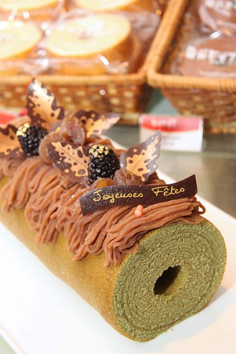 Green tea baumkuchen with chestnut paste