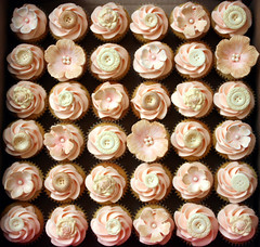 Cupcakes for The Vintage Wedding Fayre (ConsumedbyCake) Tags: pink flowers wedding decorations london cakes cookies vintage photography gold sussex cupcakes worthing handmade buttons mother ivory style mini fair sugar browns vanilla pearl fayre fondant vintagebuttons consumedbycake buttoncupcakes buttonweddingcake