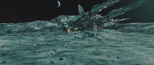 ship moon Transformers 3