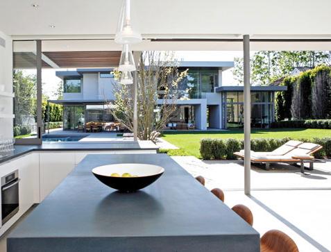 Belzberg-Modern-Home-12