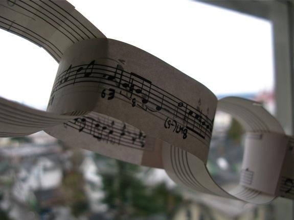 music garland 008