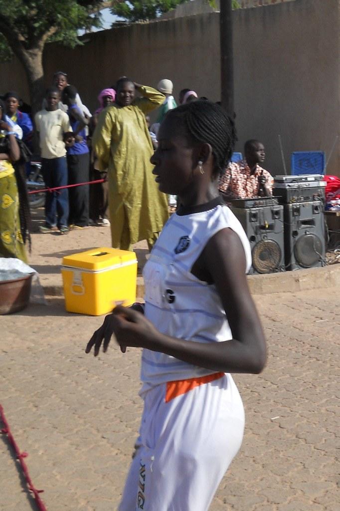 062ca45ecb8 20101212 6eCCD 33 (AS Les Volcans - Niger) Tags: girls sports girl sport