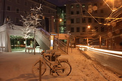 stadtcafe salzburg (simon zalto) Tags: longexposure morning snow cold salzburg ice night stairs dark fahrrad lighttrail