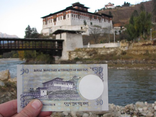 10 Ngultrum note and Paro Dzong