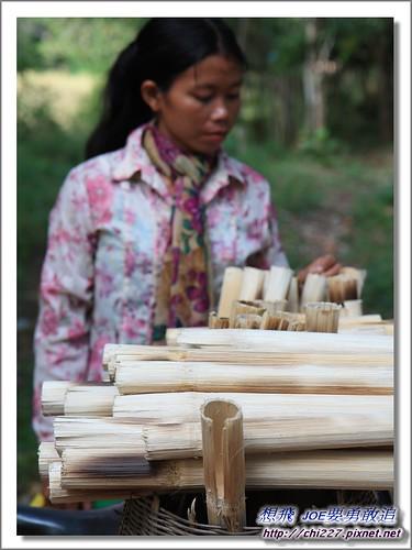 女皇宮-外面竹筒飯攤販