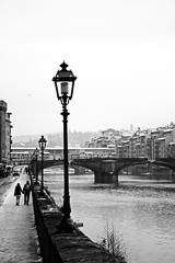 (inouez) Tags: bw snow florence neve firenze arno lungarno