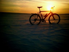 Sunset on ice (Passetti) Tags: sunset ijsvlakte cannondale fiets mtb mountainbike strand zee winter sneeuw contrast zand suppletie pijplijn denhaag holland nederland kust natuur android vignette phonepics phone campic htchero