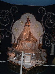 Diorama from Tyler Rose Museum, Tyler TX, Home of the TEXAS ROSE FESTIVAL (Mannequin Magic) Tags: rose festival museum lady vintage court costume waiting texas phillips queen tyler v phoebe attendant diorama artworks duchess the in of