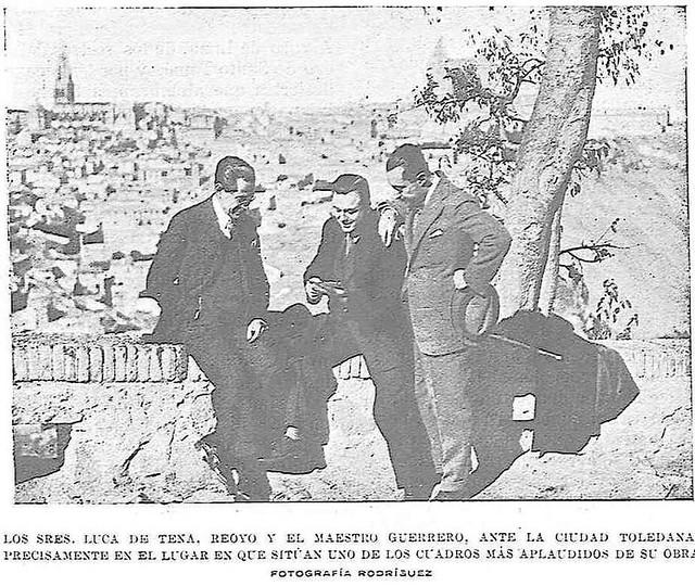 Jacinto Guerrero, Torcuato Luca de Tena y el Sr. Reoyo junto al gran almez de la ermita del Valle hacia 1927. Fotografía de Rodríguez publicada en enero de ese año en la Revista Toledo