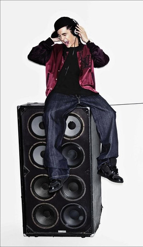 tom kaulitz 2011. Tom Kaulitz 003: Speaker