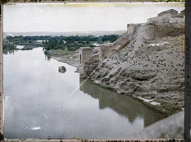 Baño de la Cava entre el 15 y el 17 de junio de 1914. Autocromo de Auguste Léon. © Musée Albert-Kahn - Département des Hauts-de-Seine