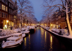 Winter Holiday Season in Amsterdam (Bn) Tags: city bridge winter snow sinterklaas amsterdam night boats topf50 nightshot topf300 letitsnow sled topf100 sneeuwpoppen topf200 sleds gezellig jordaan winterwonderland sneeuwpret sledge tms antonpieck bloemgracht sneeuwvlokken winterscene amsterdambynight tellmeastory 100faves 50faves 200faves kruimeltje 300faves winterinamsterdam derdeleliedwarsstraat spiegelglad prachtigamsterdam oudemeester januari2010 dichtesneeuw amsterdamonregeld winterdocumentary amsterdamgeniet koplampenindesneeuw geenwinterbanden amsterdamindesneeuw mooiesneeuwplaatjes vallendesneeuwvlokken sleetjerijdenvanafdebrug stadvastdoorzwaresneeuwval sneeuwvalindejordaan heavysnowfallhitsamsterdam autoopdegrachtenindesneeuw sneeuwindejordaan iceageinamsterdam winterin2010 besneeuwdestad sneeuwindeavond pittoreskewinterplaatje sledingthroughamsterdam metdesleedooramsterdamin2010 sledridinginthejordaan kidsonasled sleetjerijdenindejordaan kinderengenietenvandesneeuw hollandsschilderij wintersfeerplaat winterscenebyantonpieck