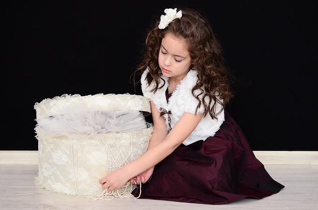 - 2013غوتشي اطفال ملابس وأحذيةورق حائط لغرف الاطفالصور من داخل
