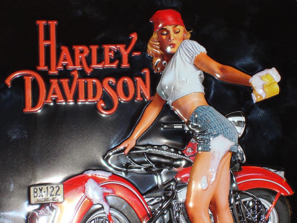 Pin up girls on harley davidson
