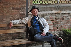 Me on holiday (mikael_on_flickr) Tags: autumn gay portrait selfportrait man male fall hat mi self ego sitting moi io uomo autoritratto mann ferrara autunno ich ritratto vacanza homme cappello mikael newhat onholiday seduto over40 i headtotoe meonholiday palazzaodeidiamanti