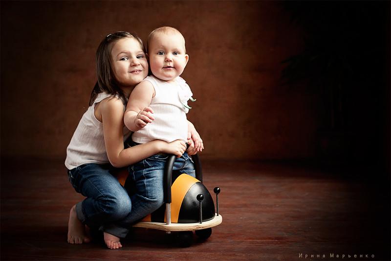 Фотосессия двух сестер. Фотограф Ирина Марьенко. Fotostomp.ru