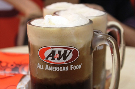 A&W Root Beer Float - CertifiedFoodies.com