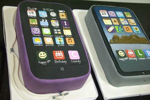 ipod  and ipad cakes