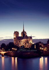 Paris Simple (Jinna van Ringen) Tags: city longexposure paris history love water architecture canon photography europe nocturnal ringen notredame elusive van notre dame lamour sy jorinde jinna elusivephoto elusivephotography jorindevanringen vanringen jinnavanringen