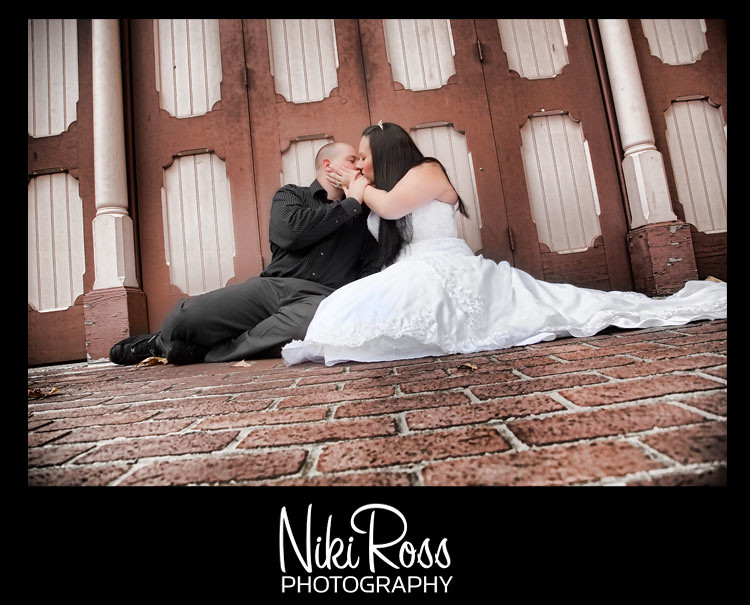 bride&groom-bidwelldoors