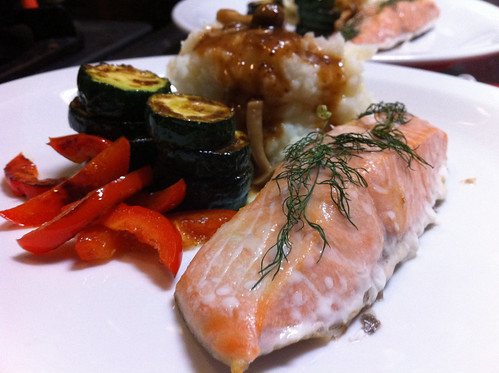 Baked Salmon with Zucchini, Red Capsicum, Mashed Potatoes & Mushroom Gravy